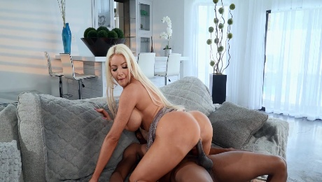 Black dude suits this cougar with endless BBC