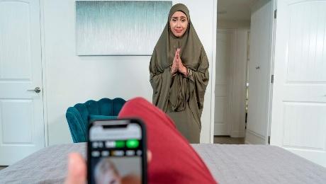 Hijab Stepmom Learns How To Pleasure
